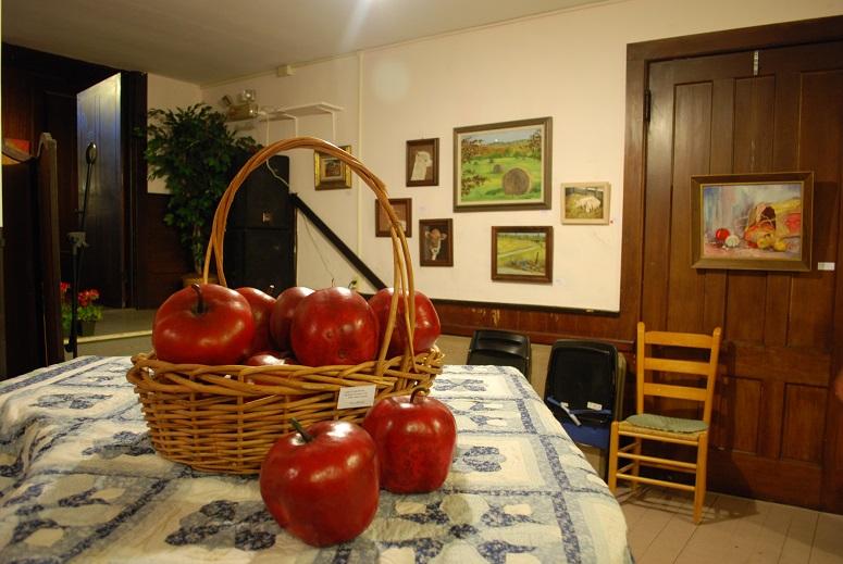 Linda Keech Apple Gourds